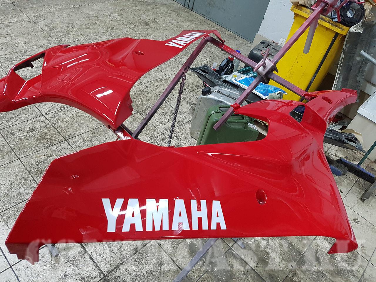 sticker on motorcycle YAMAHA R1